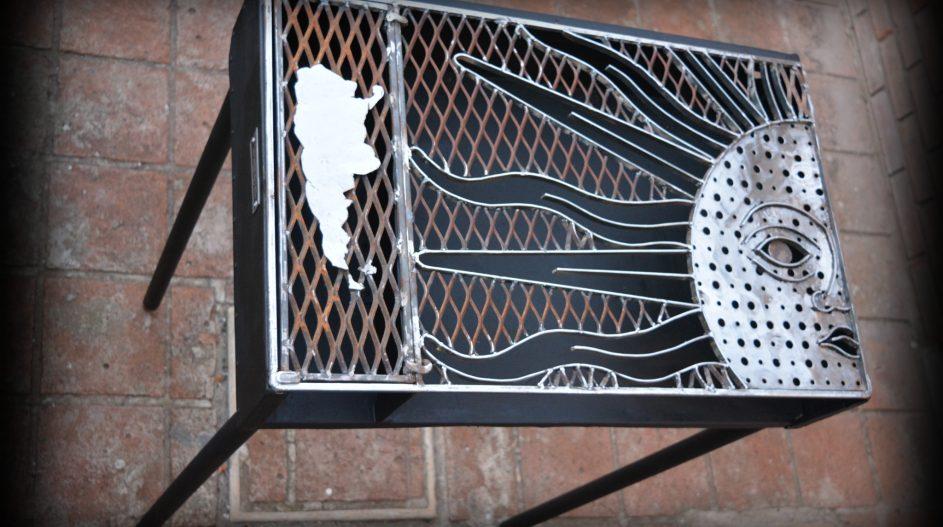 Asador Argentino - Trabajo Artístico en Metal - Arquitecto Cristobal Cravero